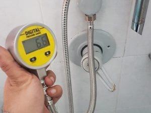 איתור נזילות מים עם שעון לחץ דיגיטלי